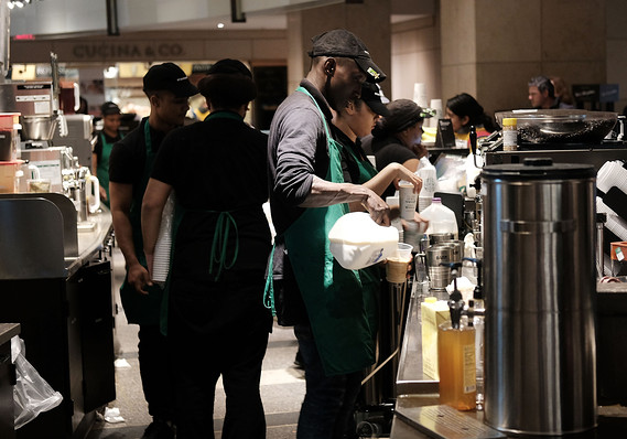 W Stanach Zjednoczonych masowo powstają nowe miejsca pracy, jednakże w marcu może dojść do spowolnienia tego procesu.